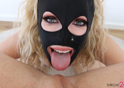 7 400x284 - Blonde whore can't get enough